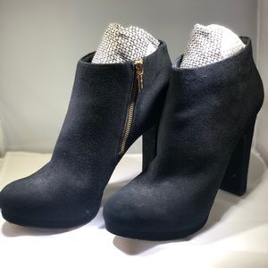 MICHAEL Michael Kors Black Haven Suede Boots Sz 12